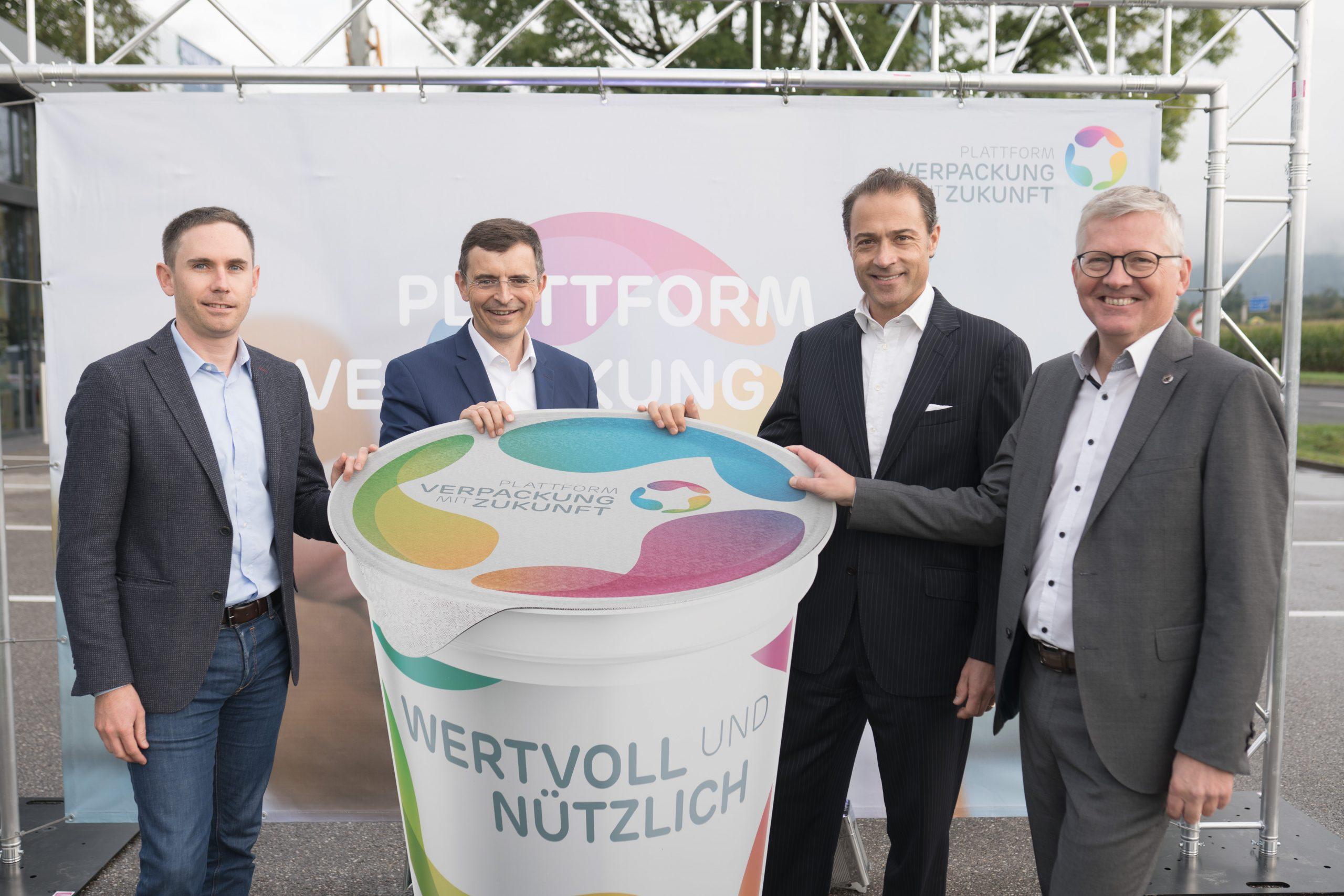 Plattform Verpackung mit Zukunft organisiert Pop-Up Stand zur Aufklärung über Verpackungsmythen